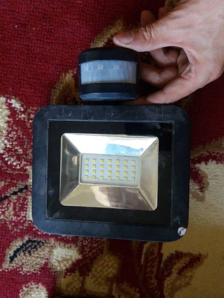 24W Светодиодный точечный светильник с датчиком движения LIVARNO LUX