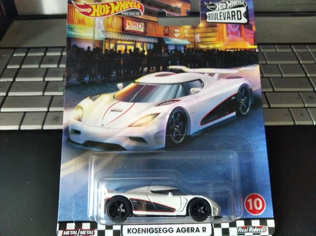 Модель Hot Wheels Koenigsegg Agera R (800), машинки хот вилс