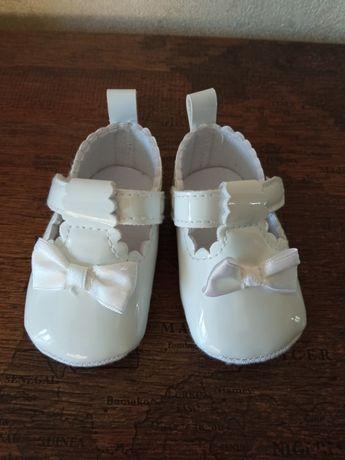 Пінєтки - туфельки для дівчинки