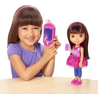 Dora i smartfon rozmowa z lalką j.polski uczy jęz,ang FP