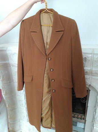 Продам --пальто, плащ