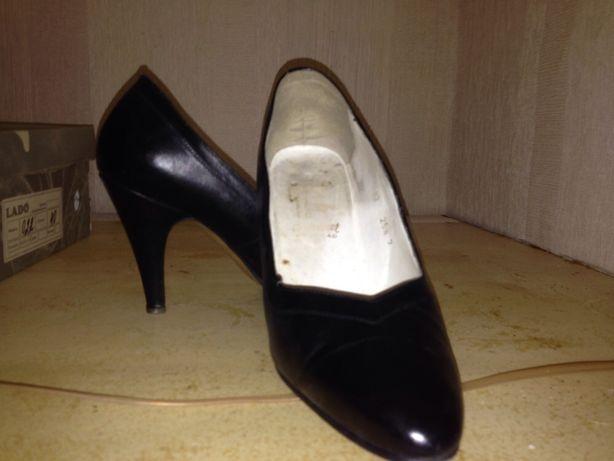 Кожаные классический женские туфли
