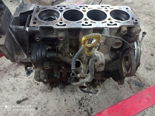 Блок Мотор Санта фе Santa Fe 2.0CRDI