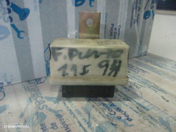 Modulo 7136541019 FIAT / PUNTO / 1994 / 1.1 i / modulo de rele /
