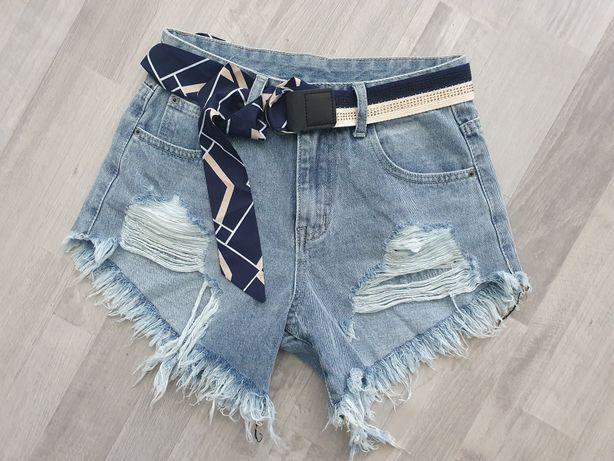 Spodenki jeansowe z przetartym dołem niebieskie