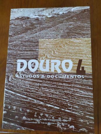 """Livro """"Douro - Estudos e Documentos - 4"""""""