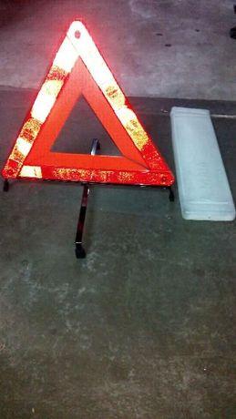 Triângulo NOVO com caixa