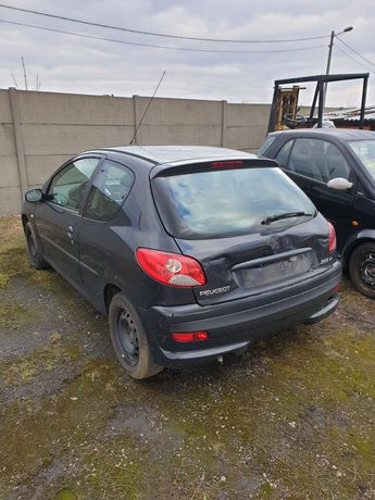 Peugeot 206 plus  1,1  benzyna 2010