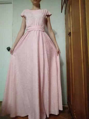 Платье в пол. S-M.