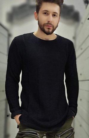Czarny sweter męski