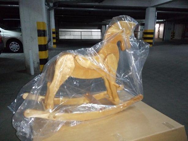 Drewniany koń na biegunach Piękny bujak dla dzieci Zabawka