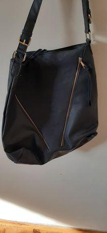 Bardzo pojemna torebka