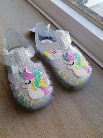 Vendo sandálias Igor unicórnio NOVAS