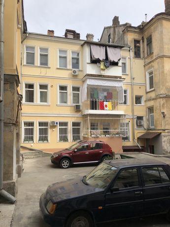 Продам красивую 3ех комн.квартиру в центре Базарная/Маразлиевская