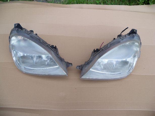 Mercedes Vaneo lampa przednia lewa