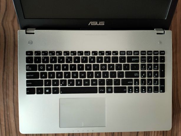 Niezawodny Asus 15,6 cali, 16GB RAM, Intel i7, dysk SSD, Windows 10