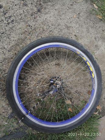 Продам колесо заднее