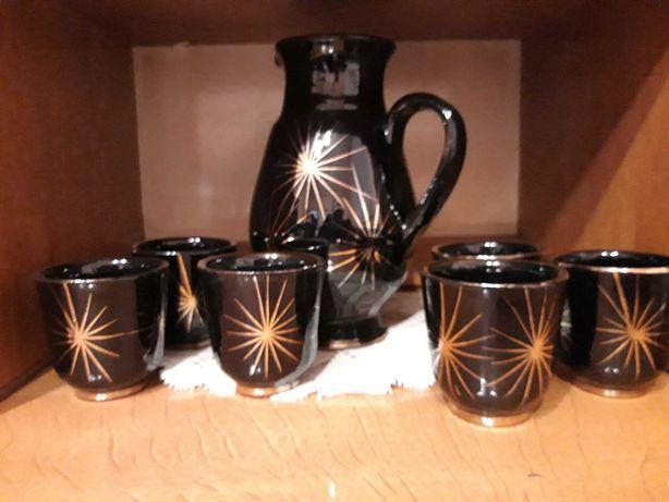 Czarny zestaw 6 szklanek i dzbanek