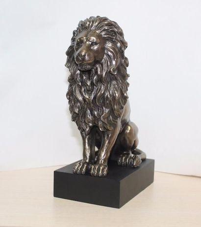 Дизайнерская статуэтка Лев на подставке Veronese 22 см 76813A4