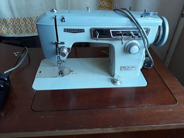 Швейна машинка Privileg 888+ стіл