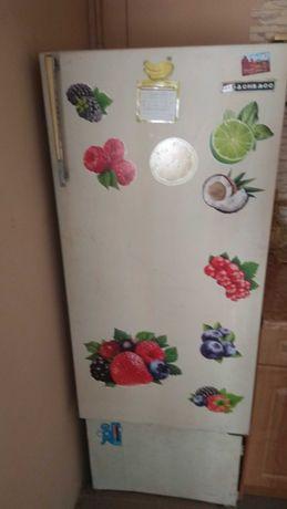 Продам холодильник Донбасс б/у 1500