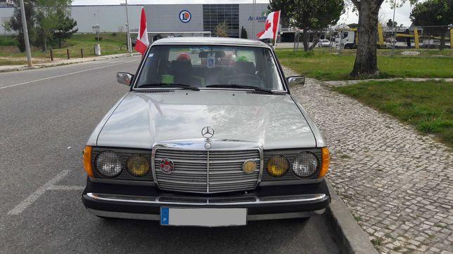 Automóvel Mercedes