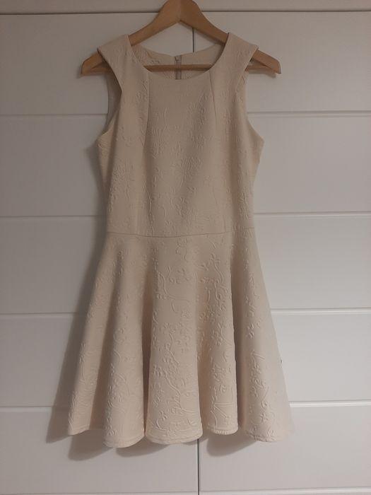 Elegancka sukienka r. 38/40, kolor kremowy, rozkloszowana Sulejówek - image 1