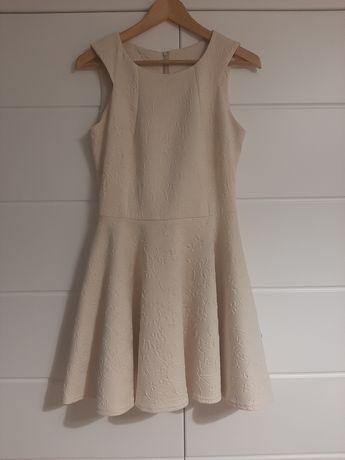 Elegancka sukienka r. 38/40, kolor kremowy, rozkloszowana
