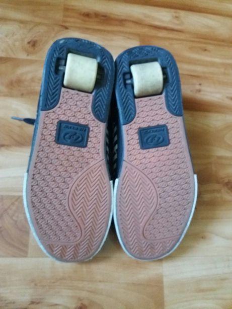 Роликовые кроссовки HEELYS по стельке 28 см