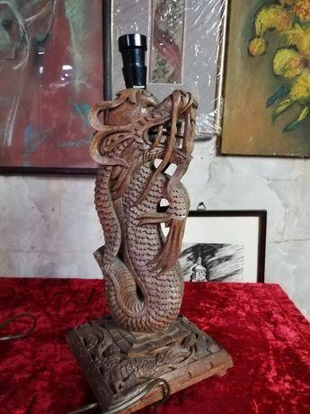 Chiński smok, drewniana lampka