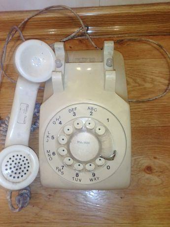 Stary telefon stacjonarny
