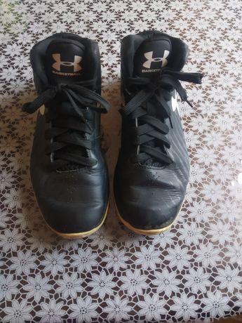 Баскетбольні кросівки Under Armour