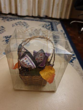Flores feitas com lenços de bolso