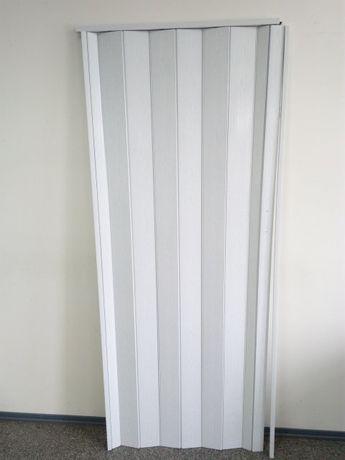 Двери раздвижные гармошка