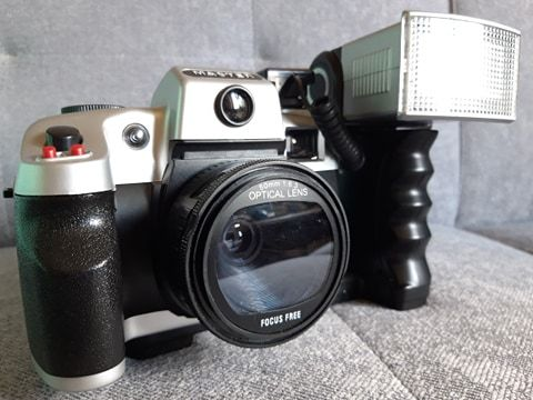 Aparat Automatic Camera. Nieużywany z futerałem i lampą