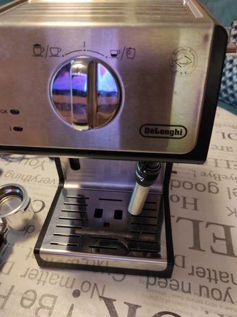 Современная рожковая кофеварка Delonghi ECP35.31
