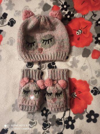 Набір шапка і рукавички, перчаточки