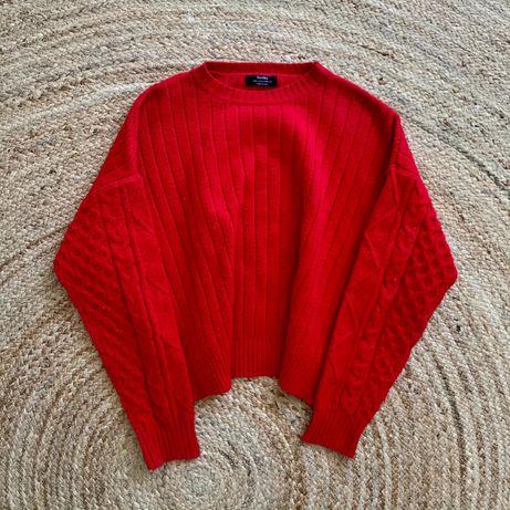 Czerwony sweter Bershka