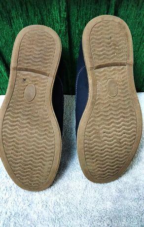 туфлі мокра шкіра