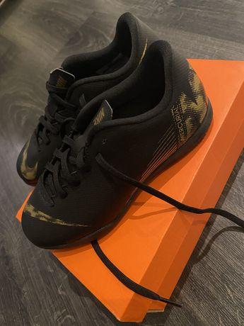 Nike Vapor Nowe rozm 33