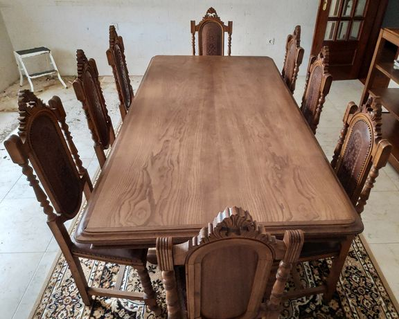 Vendo Mesa e cadeiras em Madeira