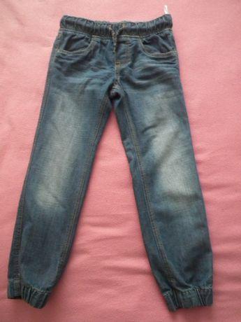 Spodnie dżinsowe, rozm. 116, firmy C&A (2 pary).