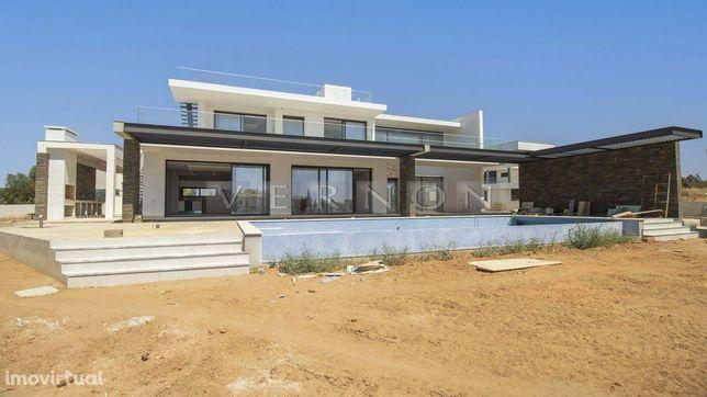 Algarve Carvoeiro, para venda, moradia de luxo a estrear, com 4+1 quar