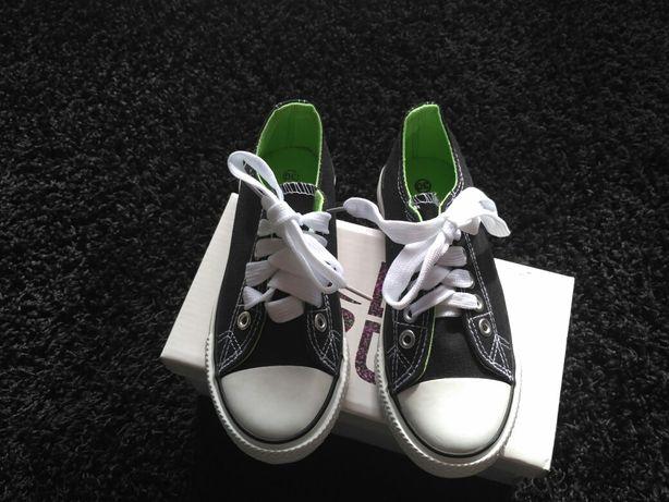 Nowe buty tenisówki R.30