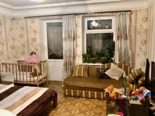 Продам 3-х комнатную СТАЛИНКУ, Центр