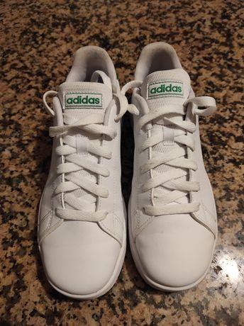 Tênis Adidas usados uma vez