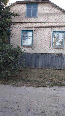 Продам просторный дом, площадь 180м2, участок 15 соток