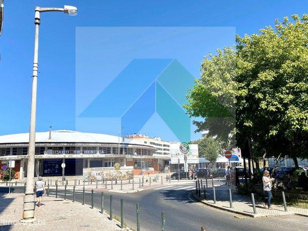 T4 com excelente área de 170m2 próximo Mercado de Benfica