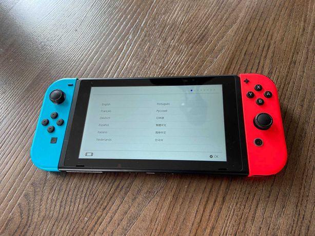 Nintendo switch z futerałem i 2 grami, 200gb, pełen komplet