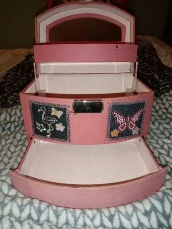 Kuferek na Biżuterie różowy